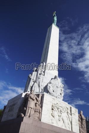 viaggio viaggiare architettonico monumento statua scultura