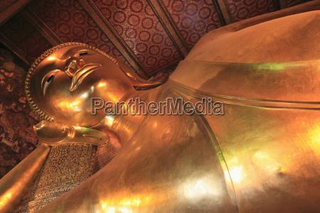 reclining buddha 46 meters long wat