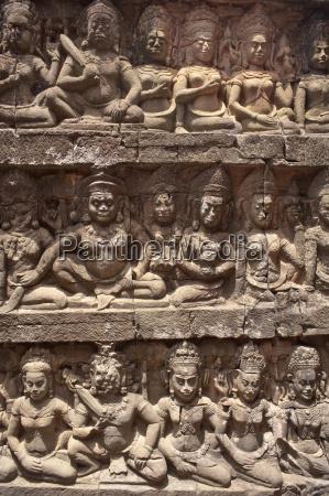 stone carvings angkor wat unesco world