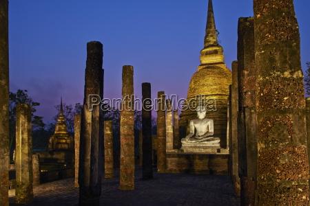 wat sa sri sukhothai historical park