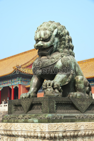 custodie del leone bronzo porta della