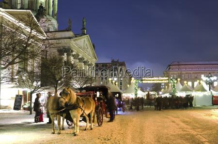 germania berlino carrozza trainata da cavalli