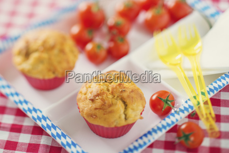 muffin con bratwurst e crauti su