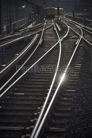 germania berlino binari della ferrovia sopraelevata