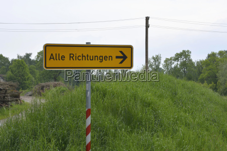 germania segno post in scena rurale