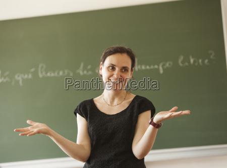 austria insegnante davanti alla lavagna