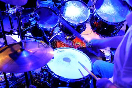 drummer fare musica