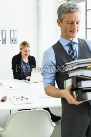 germania imprenditore azienda pila di file