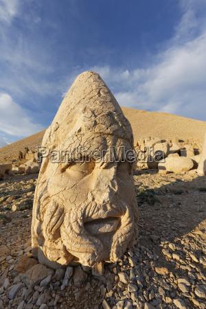 turchia anatolia monte nemrut testa di