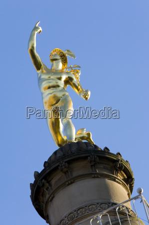viaggio viaggiare citta arte statua scultura