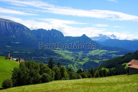 montagne dolomiti alto adige estate villaggio