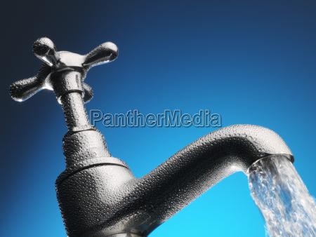 acqua che versa dal primo piano