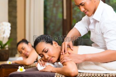 indonesian, women, at, wellness, spa, massage - 21477083