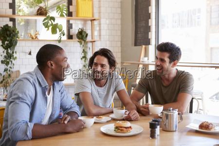parlare parlato parlando chiacchierata caffe persone