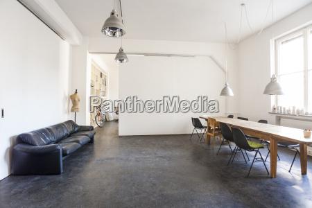 sala conferenze in un loft