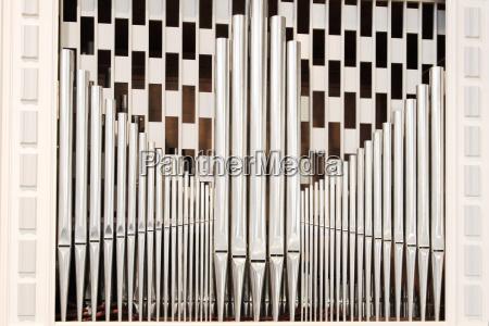 orgelpfeifen mit schachmuster