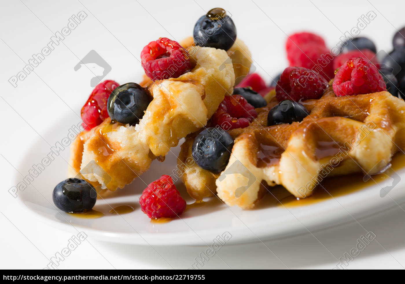 close-up, of, waffles, with, berries, and - 22719755