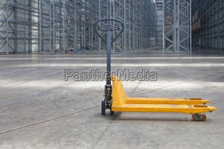 industria trasporto logistica deposito attrezzatura magazzino