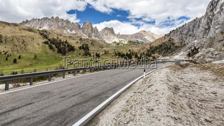 passstrasse gardena val gardena dolomiti provincia