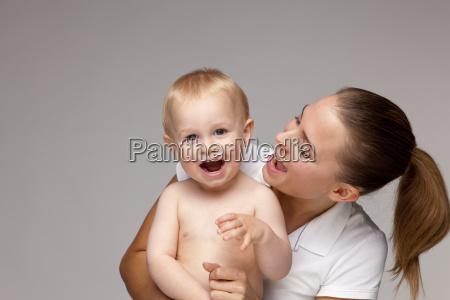 ritratto figlio vista frontale mamma madre