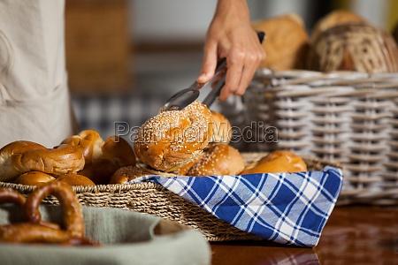 donna cibo pane avoro freschezza borsa