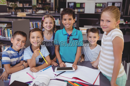 studiare studio risata sorrisi amicizia educazione