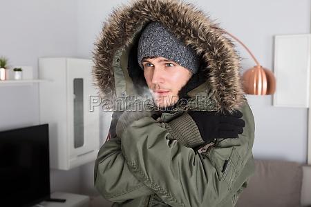 interno catarro raffreddore divano caldo tv