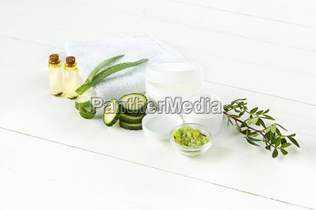 cetriolo e aloe crema cosmetica viso