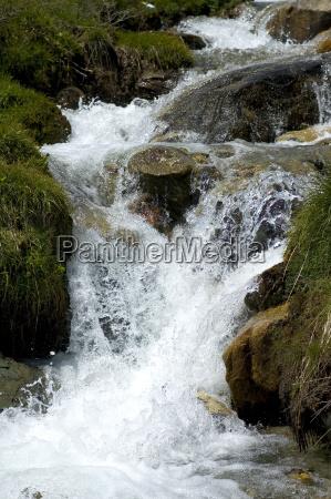 svizzera torrente primavera vallese rapida rapido