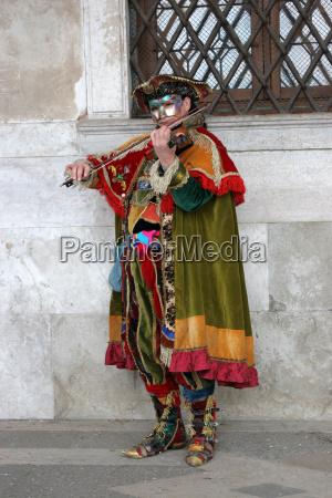 carnival venice 2006 venetian violin player