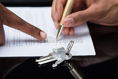 contratto di firma manuale della persona