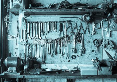 strumento attrezzo oggetto industria industriale muro