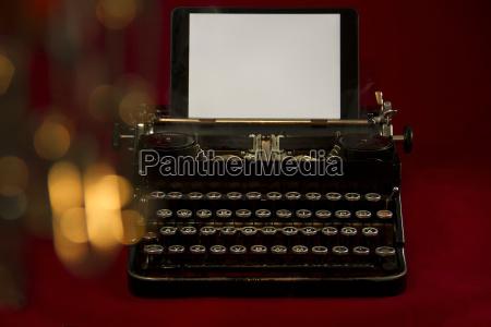 vecchio nostalgico macchina da scrivere fondale