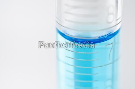 blu bicchiere primo piano close up