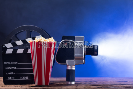 macchina fotografica cinema azione batacchio film