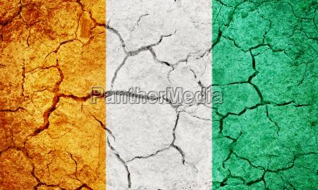 suolo terra terreno bandiera repubblica fessurato
