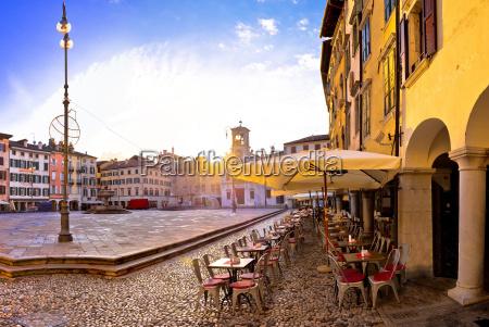 piazza sguardo vista quadrato italia punto