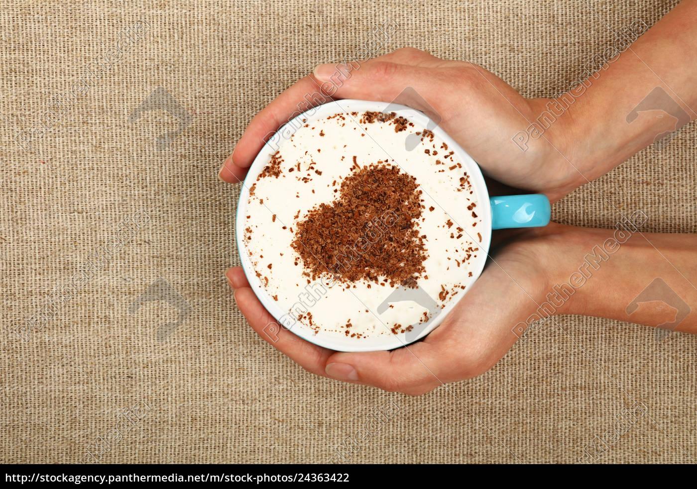 donna, mani, tenere, pieno, latte, cappuccino - 24363422