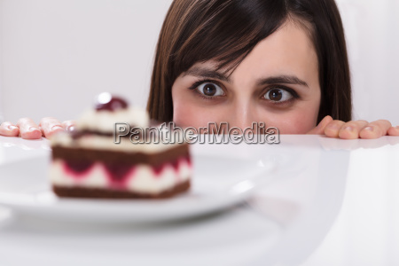 donna voglia per fetta di torta