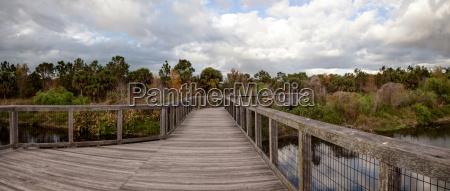 ponte acqua dolce stagno acqua napoli