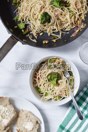 freschezza perpendicolare forchetta verticale tovagliolo aglio