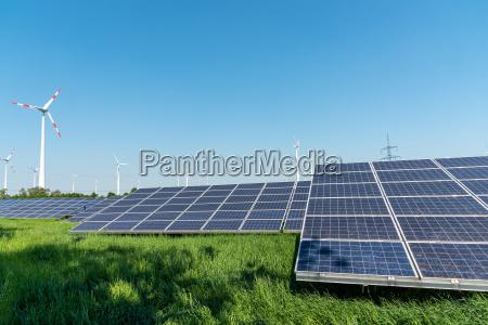 produzione di energia rinnovabile e linee