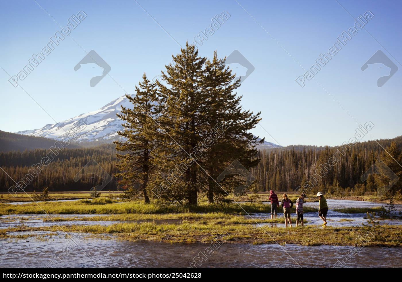 persone, che, godono, nel, lago, di - 25042628
