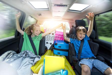 vacanza vacanze auto veicolo mezzo di