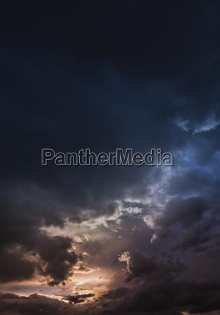 pericolo viaggio viaggiare nuvola austria sera