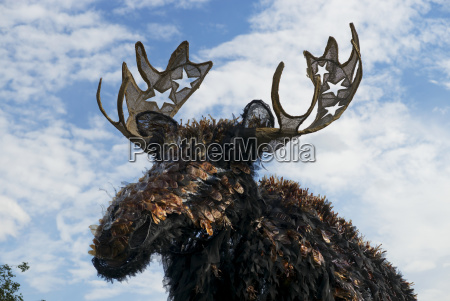 minneapolis convention center moose sculpture vincitore