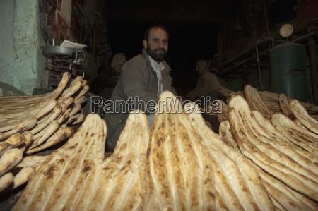 persone popolare uomo umano pane uomini