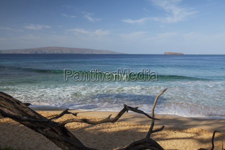 view of kahoolawe and molokini islands