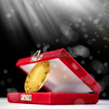 prestazione rendimento metallo evento primo medaglia