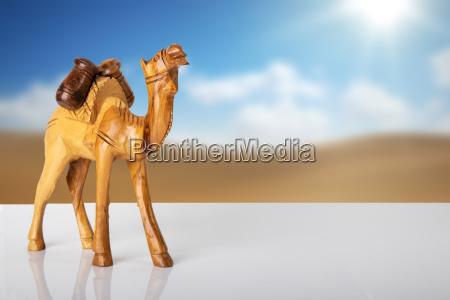 arte statua legno marrone cammello decorazione